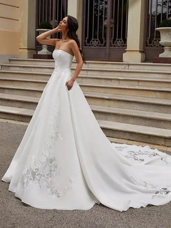 Suknia ślubna PRONOVIAS 2020/2021 model INGRAM