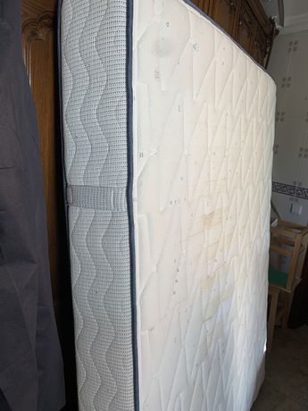 Colchão molas e espuma 1,9x1,6 m
