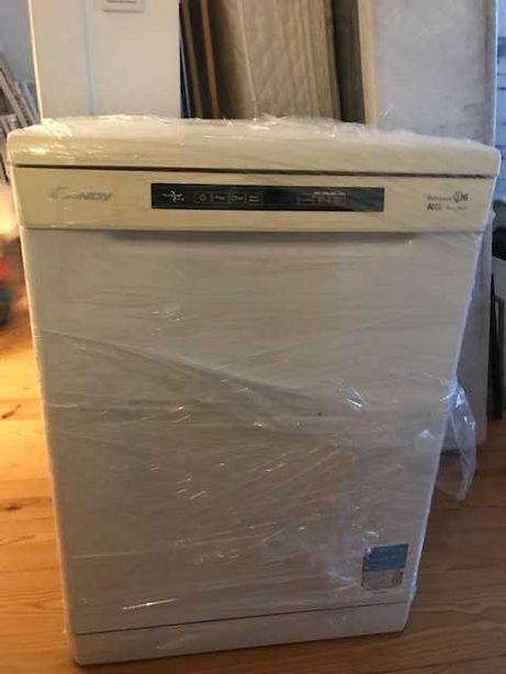 Maquina lavar louça Candy como nova