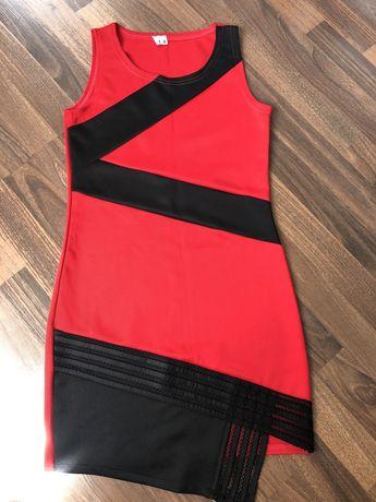 Летнее платье, красное