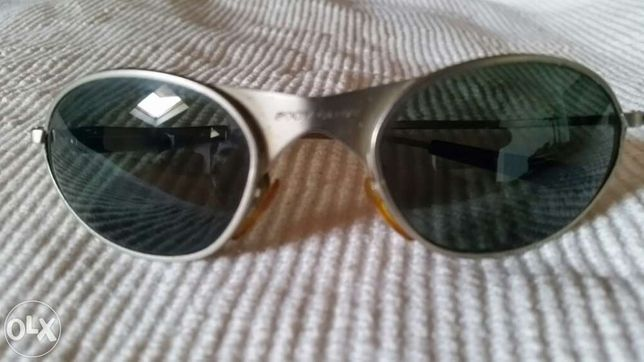 Óculos de sol criança BodyGlove. Bom estado e sem riscos.