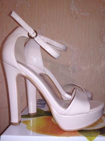 Туфли, босоножки на выпускной