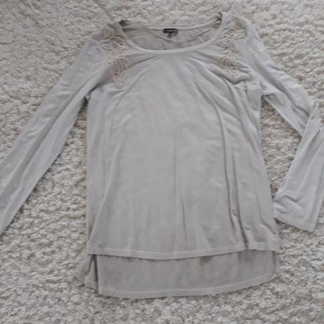 Śliczny sweterek damski w rozmiarze 44