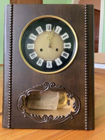 Часы с боем новые в упаковке Янтарь с паспортом СССР