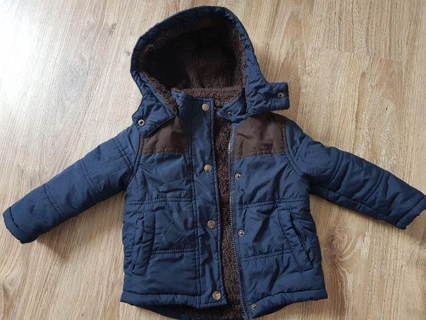 Zimowa kurtka chłopięca podszyta futerkiem 80