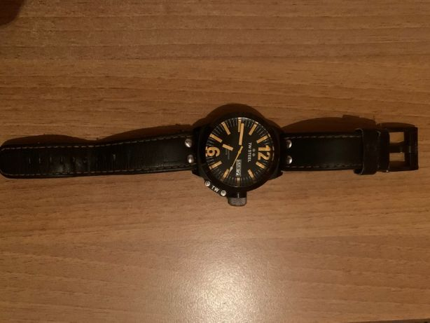 часы TW STEEL CEO Canteen 50 MM Black and Orange Dial Men's Watch