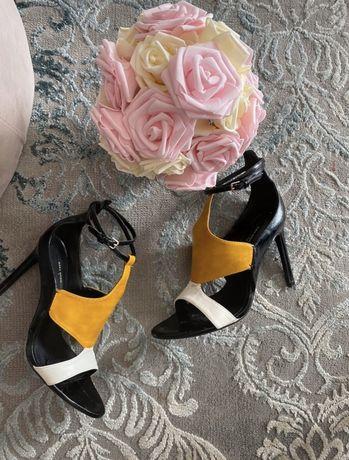 Zara sandaly szpilki 39 czarne