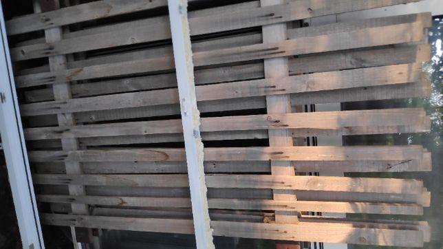 Drewniane okiennice płotki sztachety kraty okienne na okno zabezpiecze