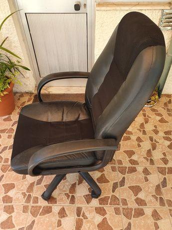 Cadeira Escritório c Rodas