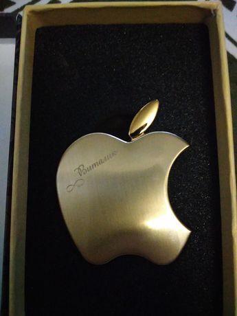 Оригинальная зажигалка в виде символа компании Apple