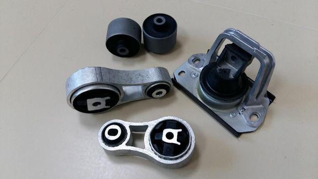 Подушка мотора Renault Trafic Master Kangoo Opel Vivaro Movano Combo