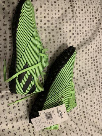 """Vendo """"chuteiras"""" Adidas Originais"""
