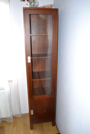 meble drewniane, stół i krzesła, szafka rtv, wytryna, półka