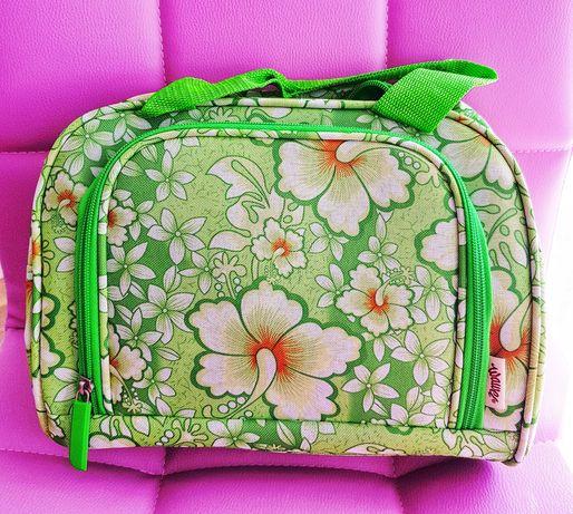 Kuferek na kosmetyki zielony w kwiaty nowy bardzo pojemny