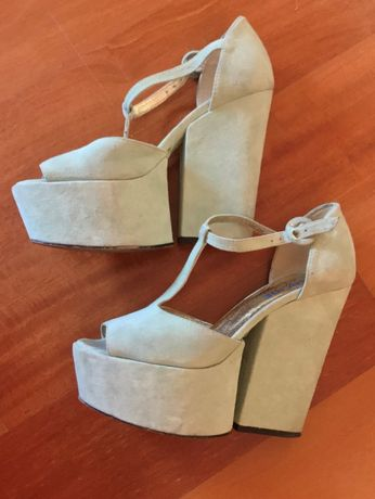 Sapatos coleção limitada