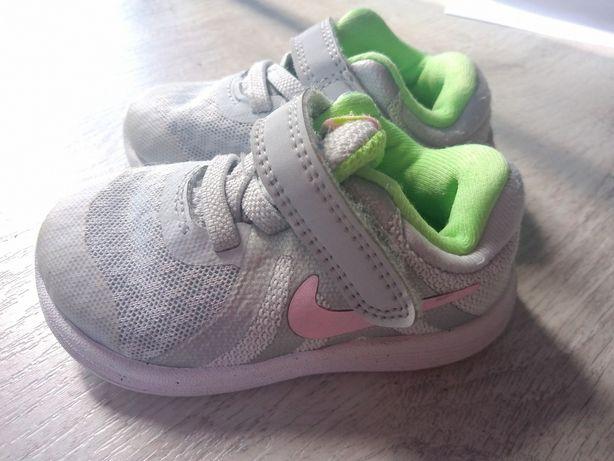 Buty buciki adidasy Nike r. 19