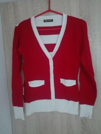 Czerwono-bialy sweterek
