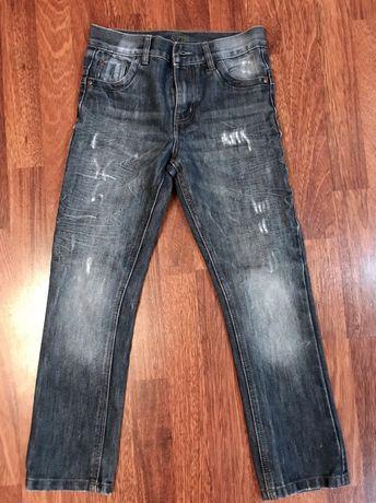 Продам детские джинсы 10 лет