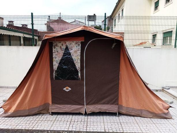 Vendo Tenda  com 2 quartos e sala