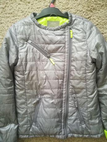 Reserved kurtka dziewczęca roz 146 cm
