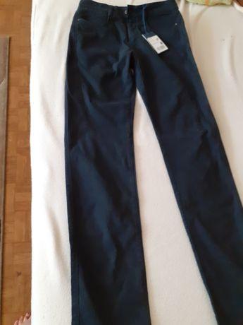 Sprzedam nowe spodnie jeansy firmy Trussardi