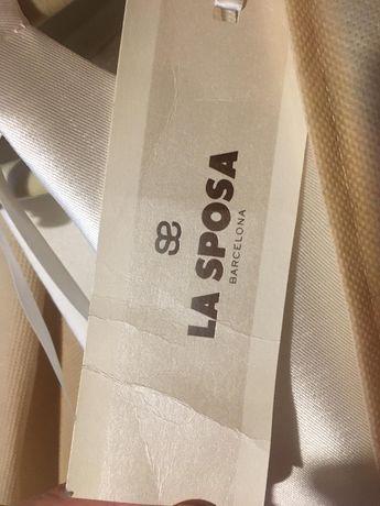 Nowa suknia ślubna hiszpańskiej firmy La Sposa Ria rozmiar 40 .