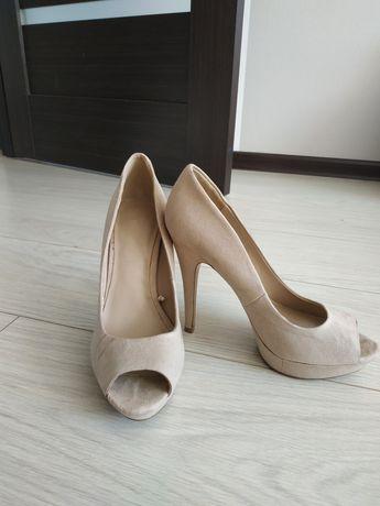 Туфли бежевые, замшевые