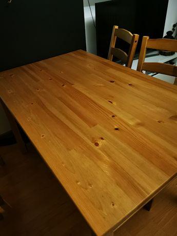 Stół z krzesłami drewniany