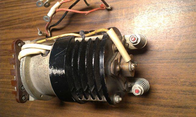 Регулятор напряжения угольный РУГ-3М