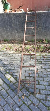 Escada de ferro antiga