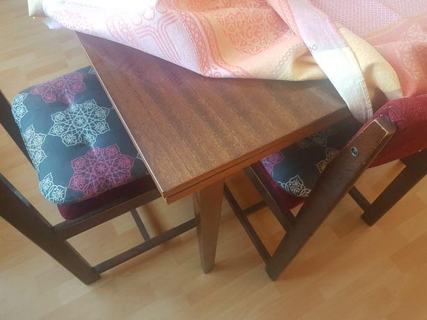 Stół rozkladany  +4 krzesła
