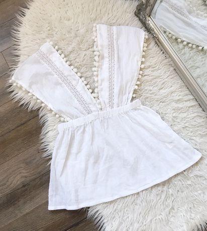 Boohoo: Biała lekka letnia bluzeczka top z pomponami boho rozmiar S