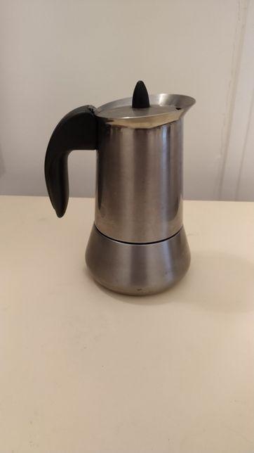Máquina de café em aço inoxidável