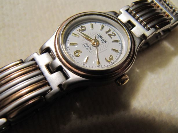 Часы кварцевые OMAX 2004 года выпуска, женские, новые