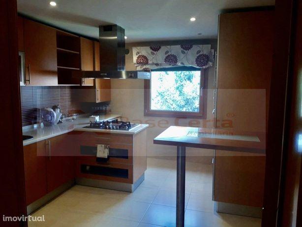 Alverca / Malvarosa T2,Garagem Box,Varanda