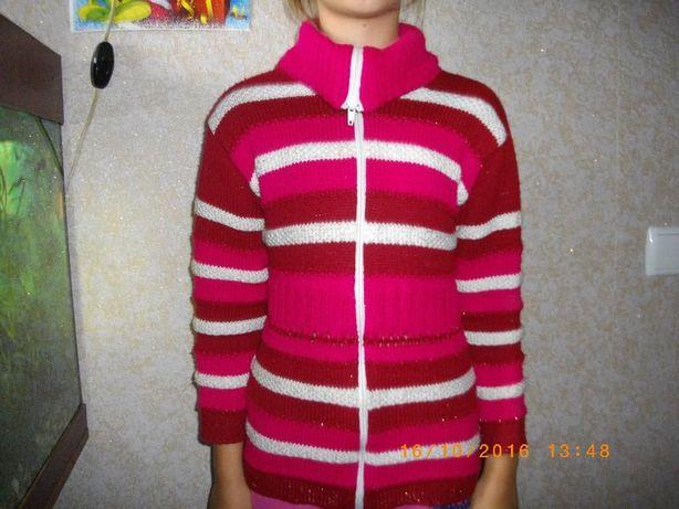 свитер на девочку с горловиной за 70 гривень