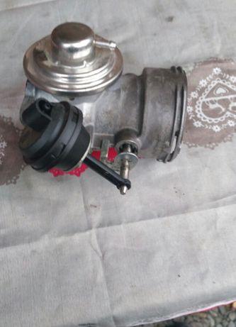 Zawór EGR przepustnica VW T5 VW Touareg 2.5 TDI Axd Axe Blj Bac Blk KJ