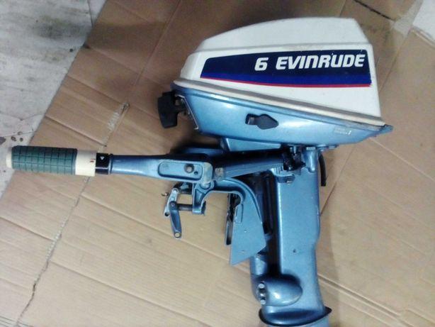 Motor Evinrude para barco