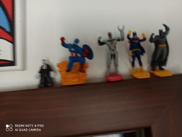 Figurki kolekcjonerskie komiksowe Batman Kapitan Ameryka