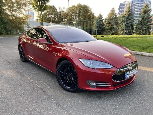 Tesla Model S 85 Pnevmo Panorama