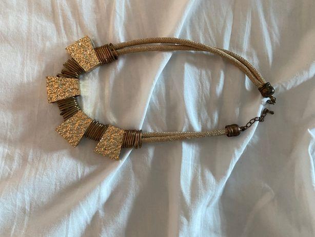 colar dourado novo