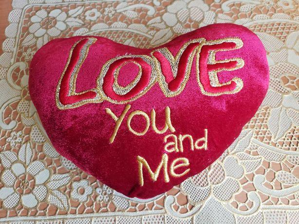 Подушка маленькая сувенирная в форме сердца