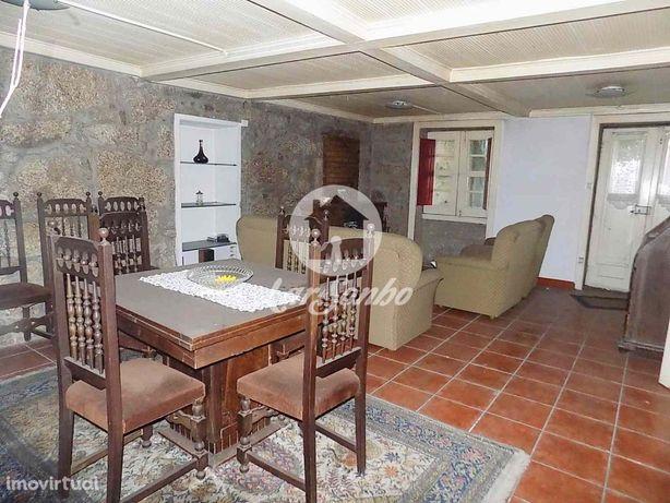 Moradia M3 individual p/restauro  c/área total 1.040m2  - Oliveira ...