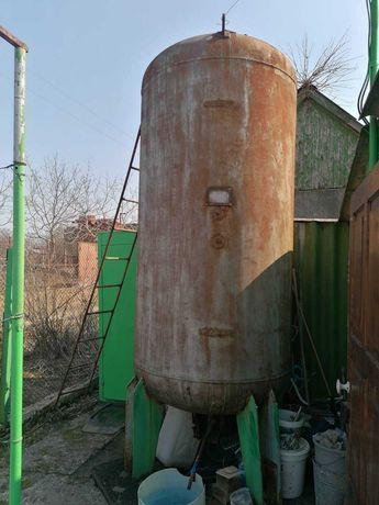 Продам Бак металлический 3 куба, толщина стенки 8 - 10 мм.