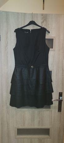 Czarna sukienka 40