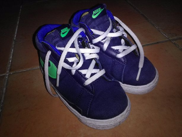 Tenis Nike 24
