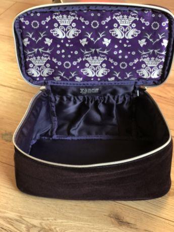 NOWA kosmetyczka welurowa kuferek ciemny fiolet śliwka podróż łazienka
