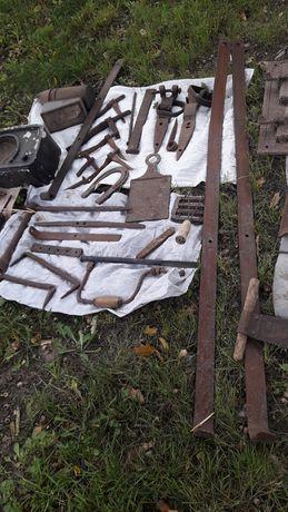 Stare rolnicze narzędzia itp.