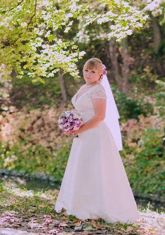 Весільна сукня 50 розмір