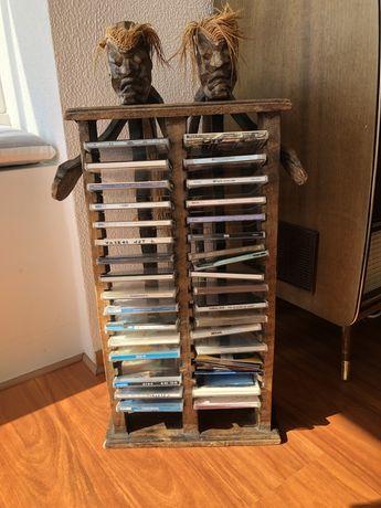 Torre para cds em madeira